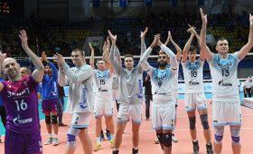 Российские волейболисты попали вДТПвТурции