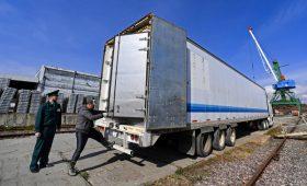 Эксперты оценили теневые денежные потоки в торговле России в $45 млрд