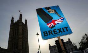 Fitch допустил падение рейтинга Великобритании из-за Brexit