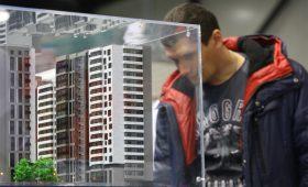 Каждый десятый россиянин запланировал покупку жилья или машины в 2019-м