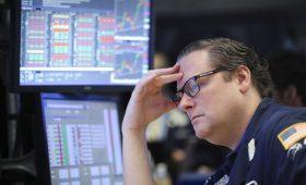 Фондовый рынок США обвалился после эскалации торговой войны с Китаем