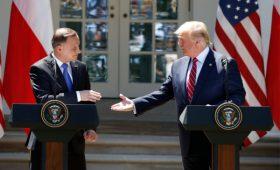 Польша договорилась о покупке в США дополнительной партии СПГ на $8 млрд