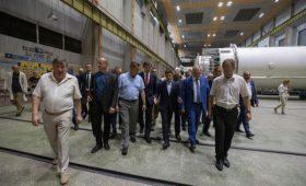 Зеленский позвонил Кличко из-за долга Киева заводу в Днепре