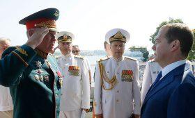 Медведев посетил парад флота РФ в Севастополе: МИД Украины выразил протест — Новости bigmir)net