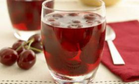 Ученые: вишневый сок улучшает сон, помогает похудеть и снижает боль