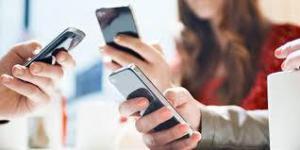 Из-за постоянного пользования смартфонами человек может потерять функциональность руки