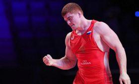 Евлоев стал чемпионом мира поборьбе безсхватки