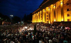 Новые массовые протесты в Грузии