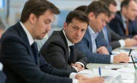 Гончарук сейчас нужен Украине – Зеленский