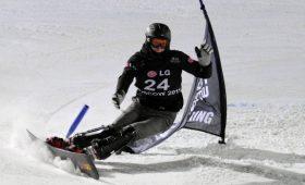 Сноубордист Соболев одержал победу впараллельном гигантском слаломе наэтапе Кубка мира
