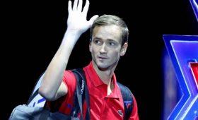 Джокович стал первой ракеткой мира, Медведев опустился напятую строчку рейтинга ATP