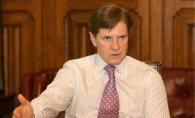 Экс-главу Банка Москвы заочно приговорили к 14 годам по делу о хищении