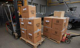 В Україну з Південної Кореї прибуло 100 тисяч ПЛР-тестів для виявлення коронавірусу