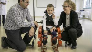 Ученые разработали уникальный детский экзоскелет