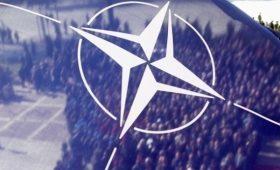 НАТО ждет от Украины принятия пяти законов