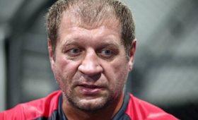 Боец Александр Емельяненко рассказал охронической травме носа