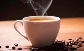 Эксперты рассказали, почему нельзя пить горячий кофе